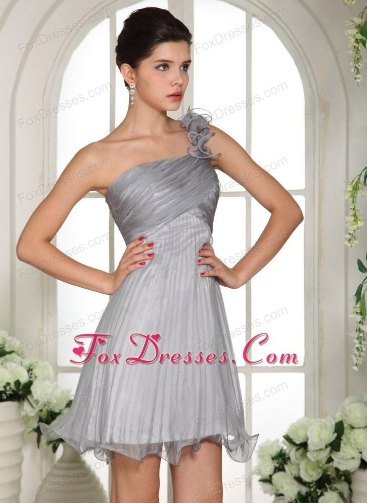 elegant outdoor prom homecoming dress