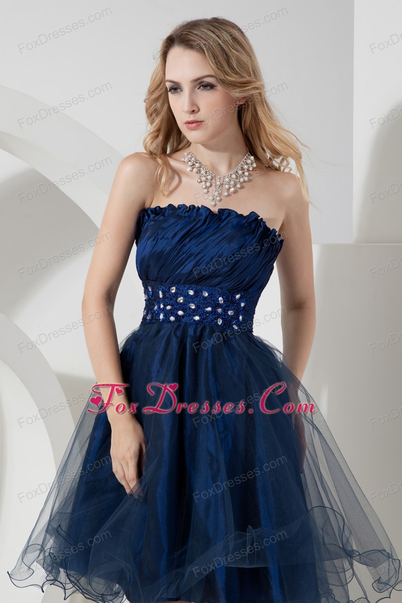 Cute dresses with sleeves for juniors