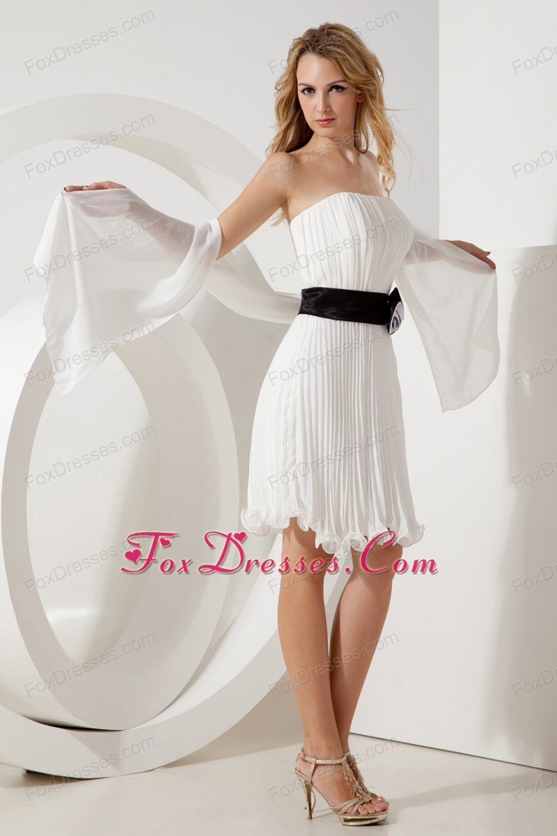 White Empire Pleated Holiday Graduation Dresses Knee-length Belt