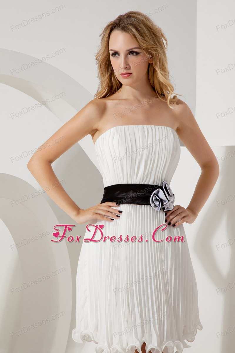 exclusive mothers day sleeveless dress for holidays