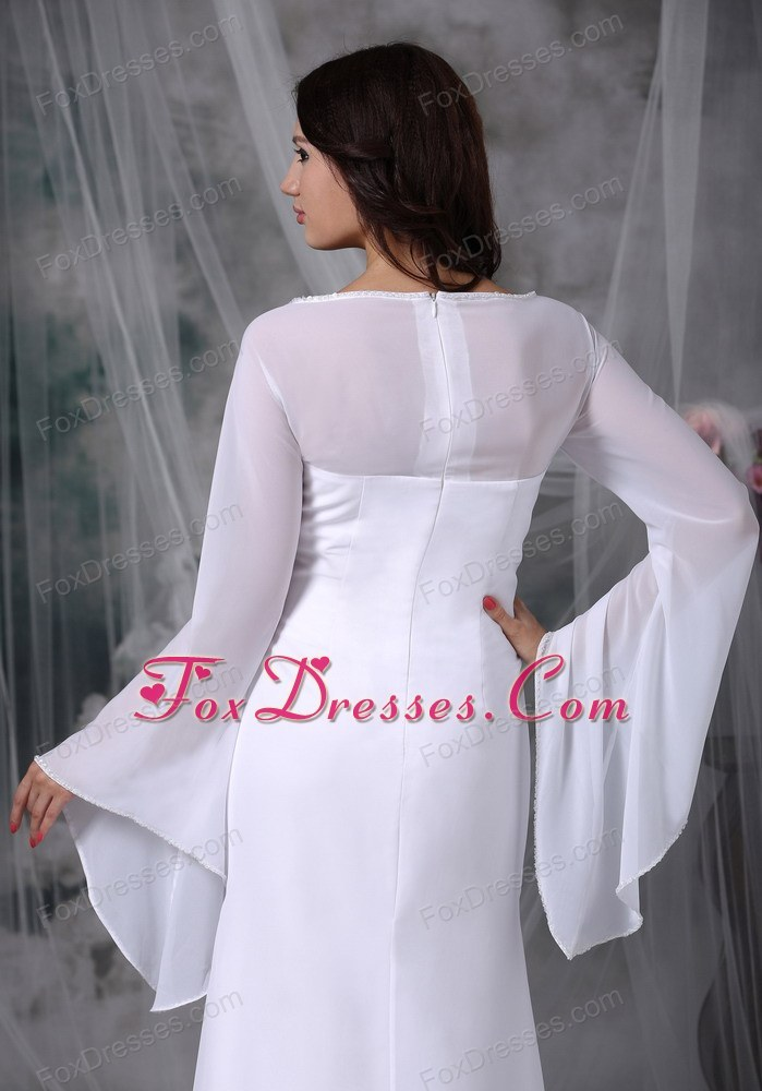 nifty bridal wedding dress with zipper up back