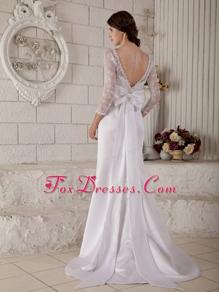 snazzy wedding dress for bride in beautiful seasons