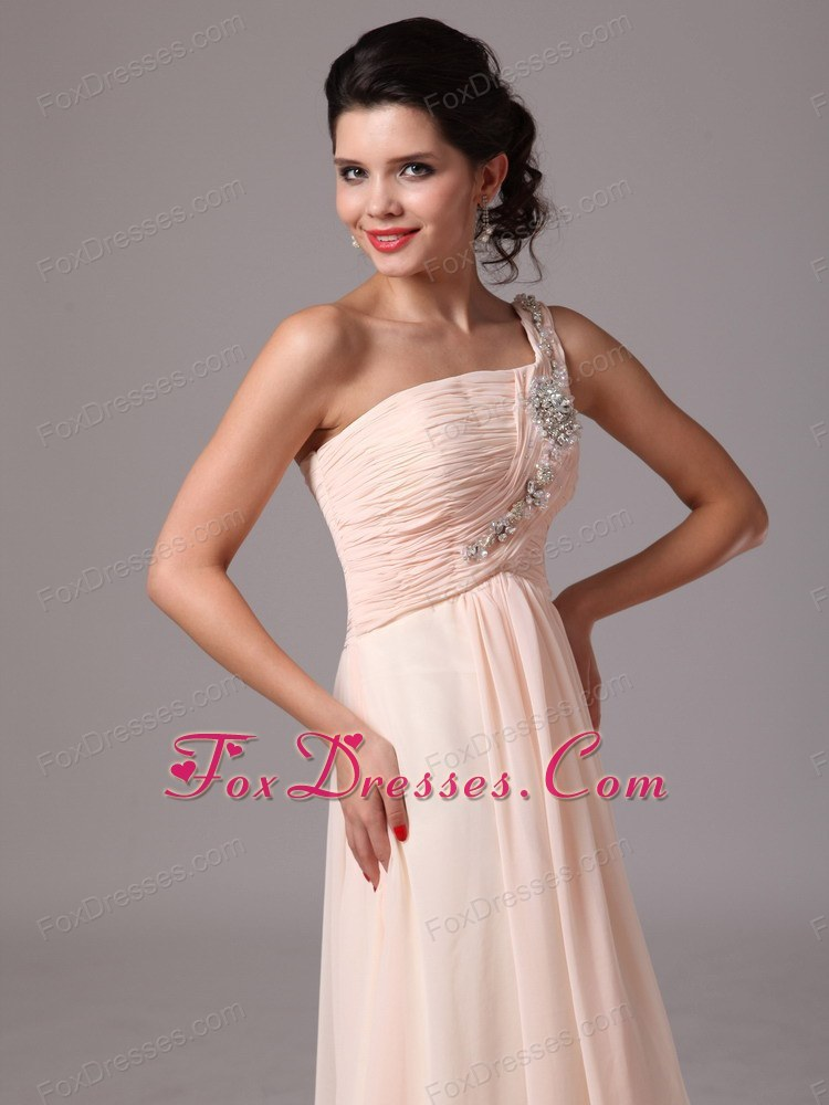 attractive pageant dresses