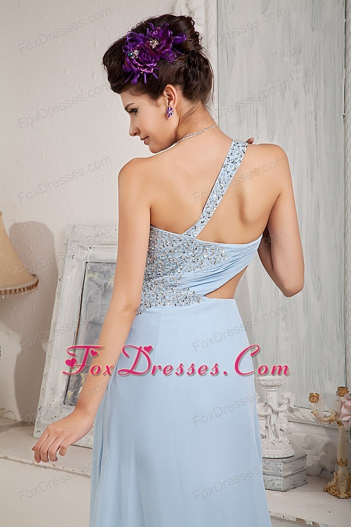 recommended miss universe pageant dress