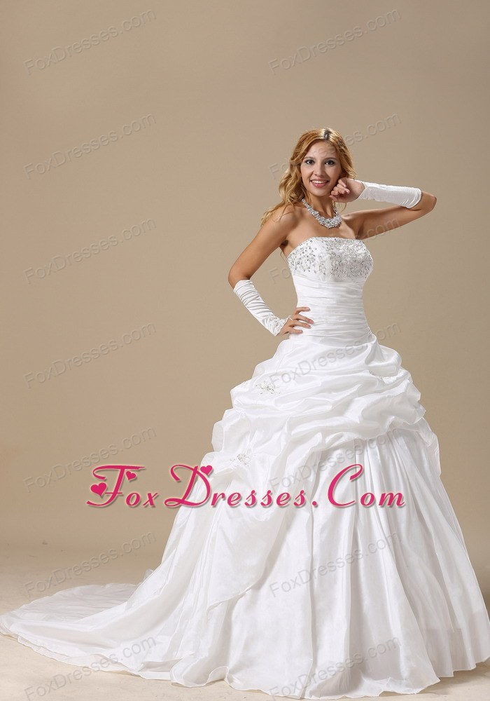sleeveless headpiece bridal gown classical