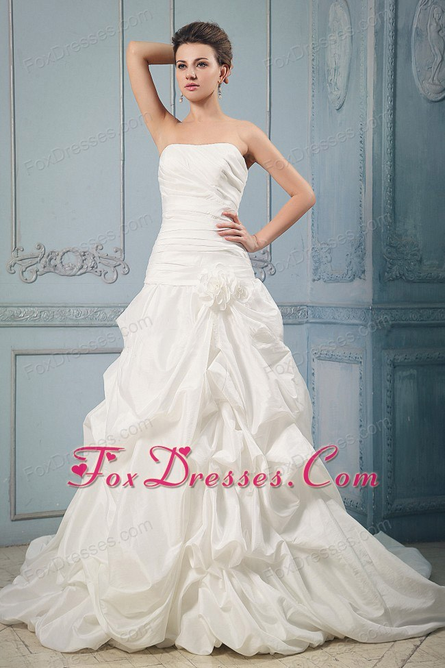 Brand New 2013 Pick-ups Hand Made Flower Wedding Dress Train