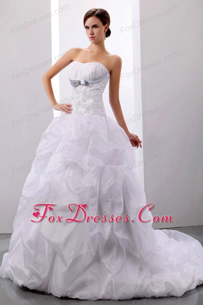 Appliques Pick-ups Wedding Dress Court Train 2013 Ball Gown