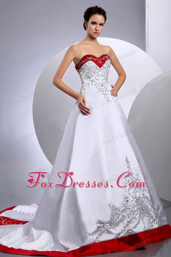Embroidered with Beading Wedding Bridal Gowns Chapel Train with Red Color