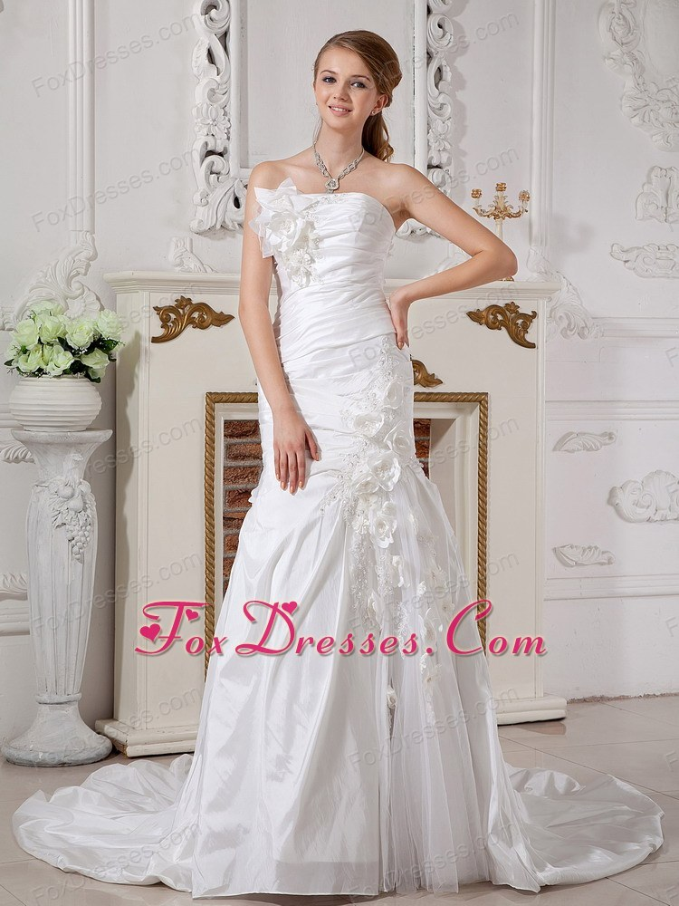 2013 Ruched Taffeta Hand Made Flowers Wedding Dress Train