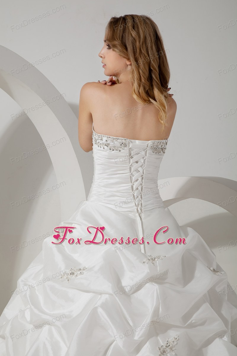 classy lace up back wedding dress in summer
