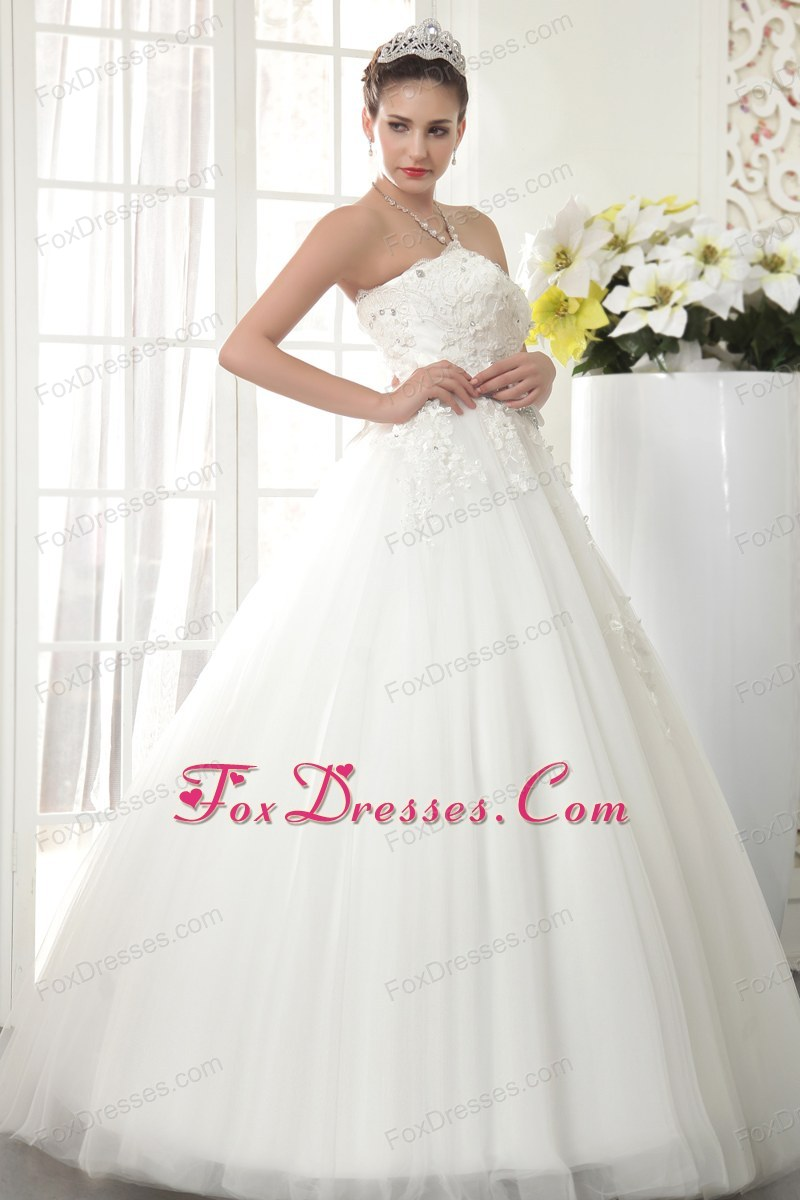 2014 wedding dress with appliques