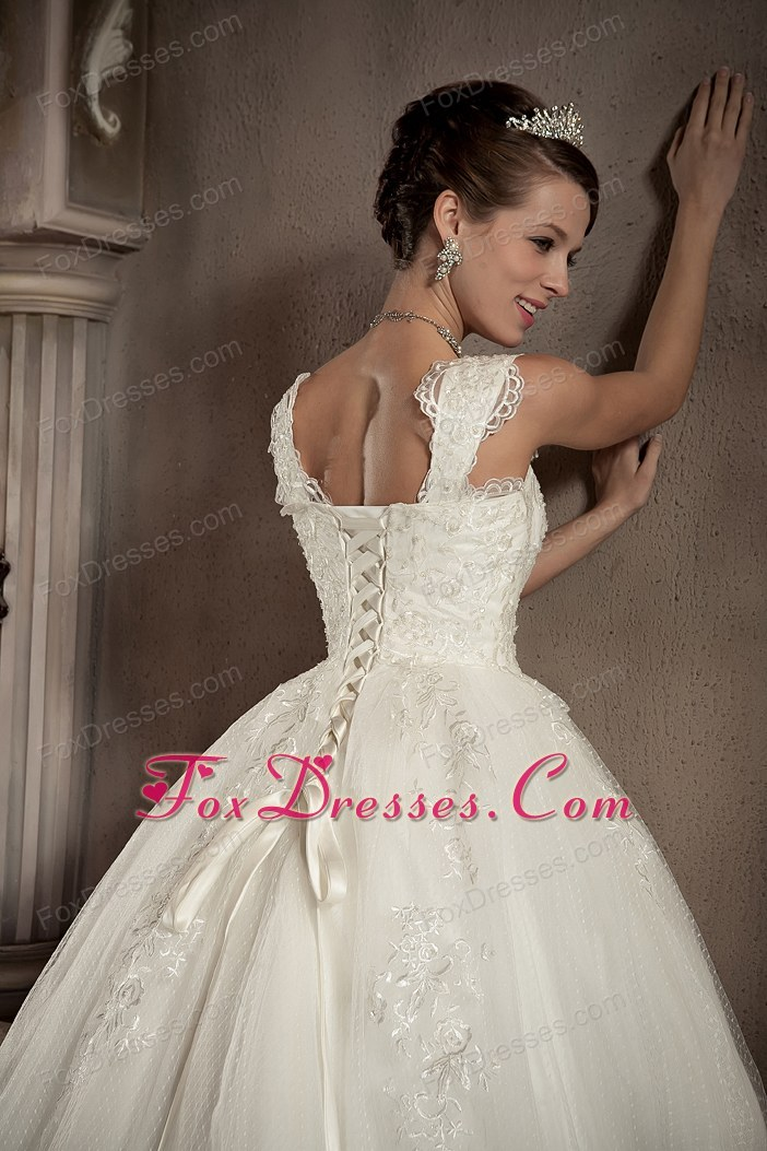 luxurious wedding gowns